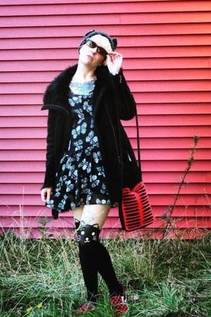 black Hot Topic dress - black faux fur Jessie G coat - gray cat beanie hat