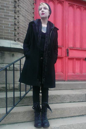 black Dr Martens boots - black Larry Levine coat - black Lovesick jeans