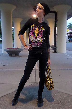 black Lovesick jeans - black Claires hat - yellow Addicted bag