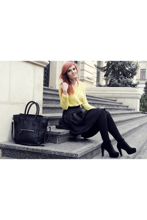 yellow Vila sweater - black Celine bag - black Front Row Shop skirt