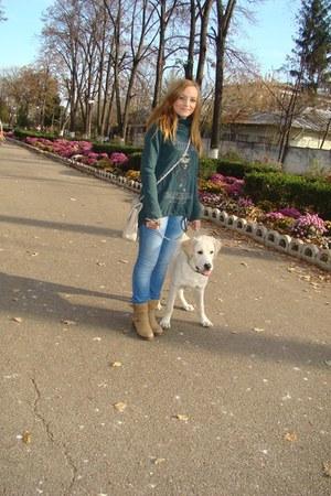 cream boots - blue jeans - cream bag - cotton funny jumper