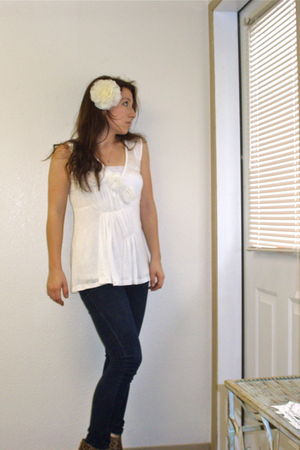 white Olivia Noon blouse - blue Dolce and B jeans - white Forever21 accessories