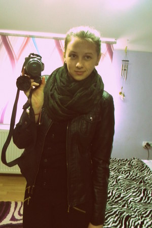 army green scarf - black jacket - black pants
