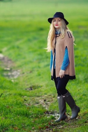 black Primark jeans - olive green Hunter boots - black fedora Fails Worth hat