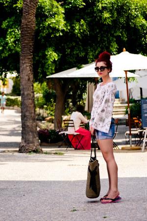 vintage blouse - Mango shorts