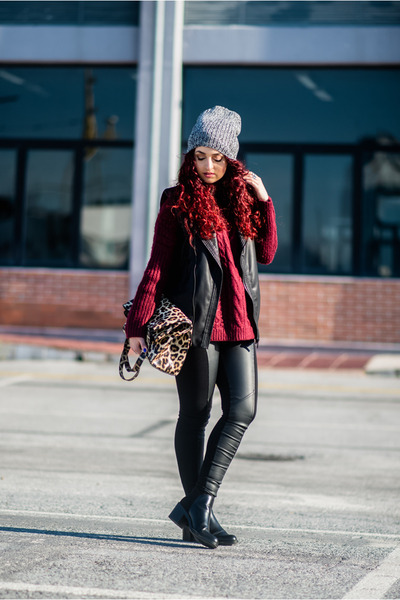 black Zara boots - maroon sweater