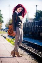 La Redoute sweater - Zara boots - Tommy Hilfiger shirt