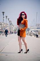 Zara blazer - Prada sunglasses - Christian Louboutin pumps