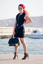 Moschino bag - Zara shoes - vintage dress - rayban sunglasses