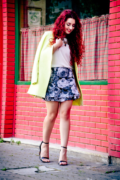 vintage skirt - Choies coat - Zara sandals