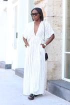 Striped Caftan dress - Black Chanel bag - Black Tom Ford sunglasses