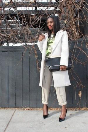coat coat - Bag bag - sweatshirt sweatshirt - heels heels