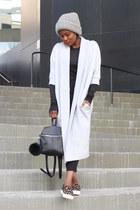 black t-shirt - coach shoes - grey hat - kara bag - Black Crop pants
