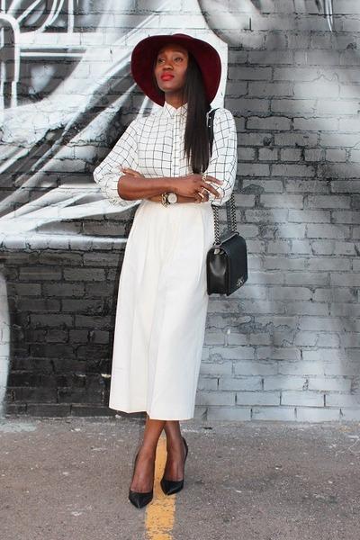hat hat - Bag bag - pants pants - Top top