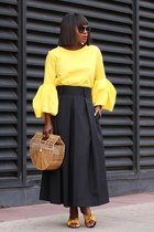 Yelloe Bow shoes - Bamboo bag - Black Pleated skirt