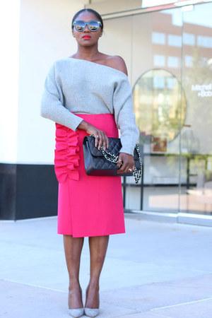 Pink Ruffle skirt - Manolo Blahnik shoes - grey sweater - Chanel bag