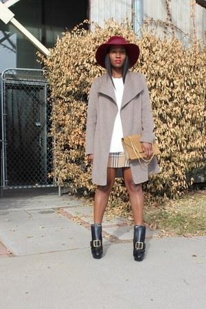 plaid skirt - Buckled shoes - burgundy hat - Jacket jacket