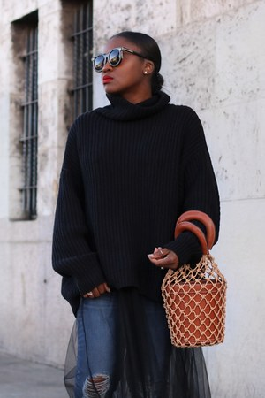 free people sweater - madewell jeans - Staud bag - Karen Walker sunglasses