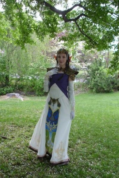 White dresses princess zelda prom dress by raptorgaga for Legend of zelda wedding dress