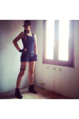 black Pimkie shorts