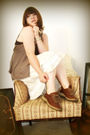 Beige-miss-me-skirt-brown-shoes-brown-bke-top-brown-charlotte-russe-vest