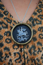 Black-oogna-east-necklace