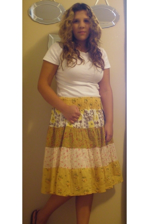 Ralph Lauren Polo t-shirt - skirt - American Eagle shoes