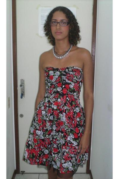 black Made by my dressmaker dress - silver Marisa necklace - purple Ana Hickman