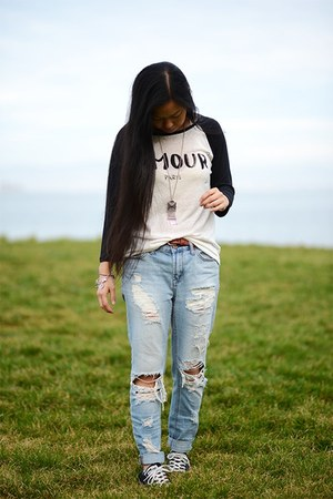 Converse sneakers - Urban Outfitters jeans - Forever 21 shirt