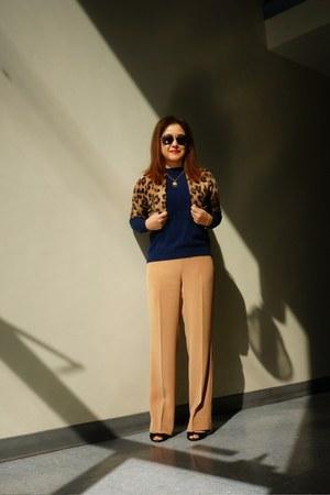 leopard shrug banana republic cardigan - navy crew neck Zara sweater