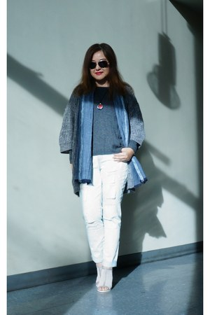 grey Kimchi Blue cardigan - Fire Los Angeles jeans