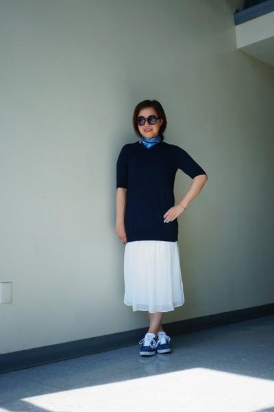 white chiffon Zara dress - Zara sweater - Express scarf - quay sunglasses