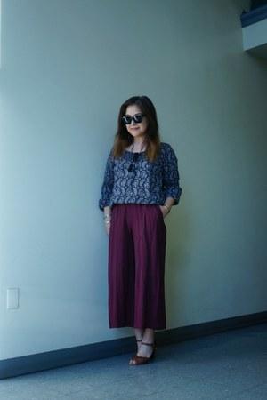 black frame Missoni sunglasses - maroon gaucho Lily White pants