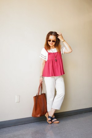 cropped hollister t-shirt - BDG jeans - madewell bag