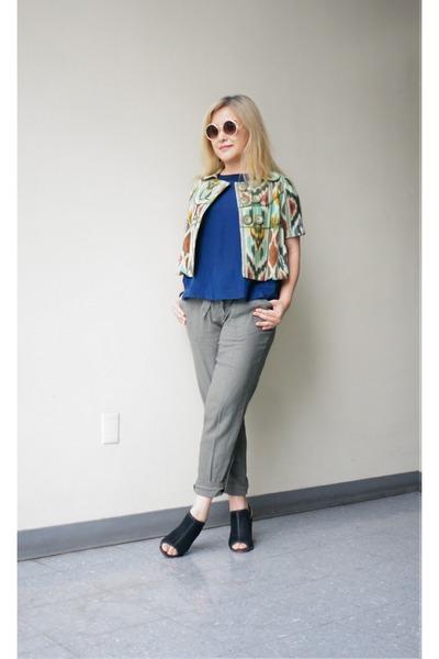 Taikonhu jacket - quay sunglasses - navy silk shell Zara top