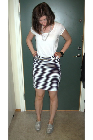 H&M t-shirt - skirt - shoes - belt