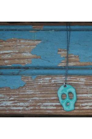 mint skull reborn necklace