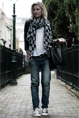 black H&M jacket - blue the Sting jeans - black InVito scarf - black Zara bag