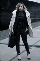 black H&M hat - beige Bandolera coat - black Zara bag - black Zara heels