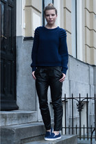 navy Scapino sneakers - navy Nelly sweater - black Mango pants