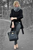 black oversized big Zara coat - black H&M sweater - black melie bianco bag