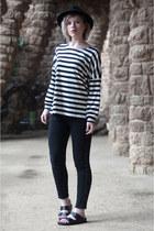black Zara jeans - black fedora Lierys hat - black Loavies t-shirt