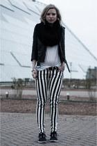 black H&M jacket - black DIY scarf - ivory H&M t-shirt - black nike sneakers