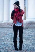brick red H&M scarf - black Moon Boot boots - black Levis jeans - black asos hat