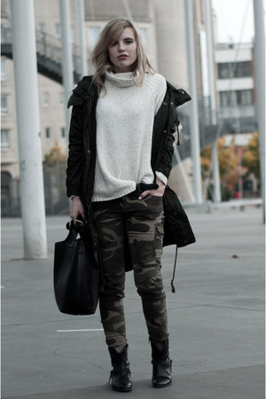 dark green Monki coat - black Sacha boots - off white H&amp;M sweater