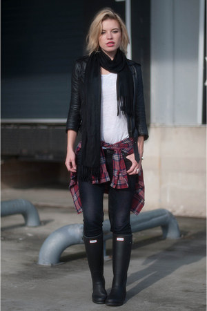 black Hunter boots - dark gray Levis jeans - black asos jacket