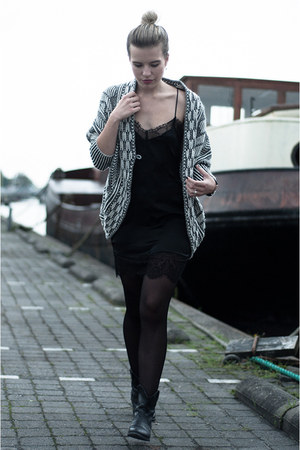 black Zara dress - black Sacha boots - white Zara cardigan