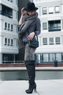 Black-and-other-stories-boots-charcoal-gray-the-sting-jeans