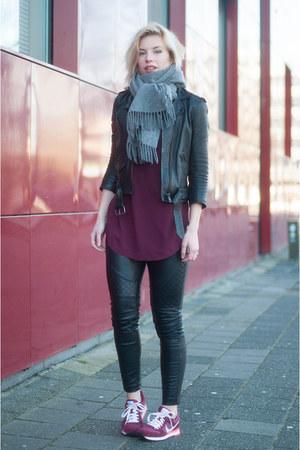 crimson nike sneakers - black leather mc Topshop jacket
