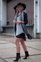 black sam edelman boots - black asos dress - black H&M hat